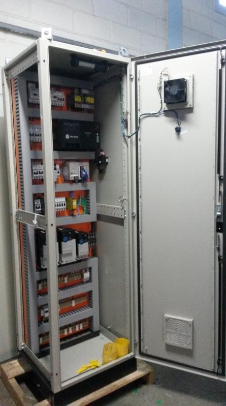 Instalação Elétrica de Painéis Elétricos de Comando Sorocaba - Instalação Elétrica de Refletores