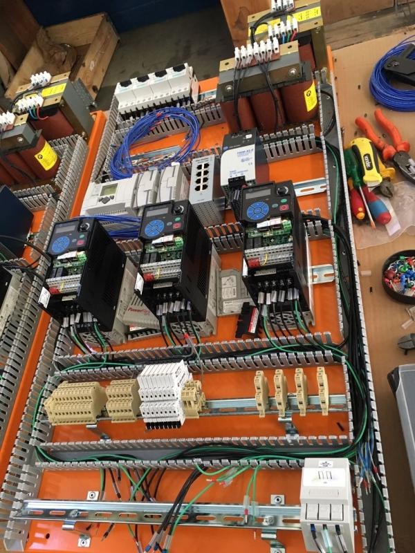 Instalações Elétricas de Iluminação Industrial Salto - Instalação Elétrica Baixa Tensão