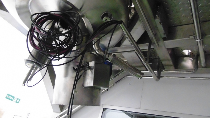 Instalações Elétricas de Painéis Elétricos de Controle Vinhedo - Instalação Elétrica de Refletores